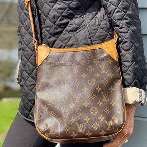 🥰BEAUTIFUL🥰 Crossbody by Louis Vuitton